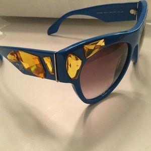 PRADA VOICE CAT EYE SUNGLASSES BLUE/GOLD EUC